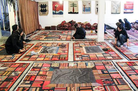 کارگاه تولید قالی از دست بافتهای کهنه و قدیمی