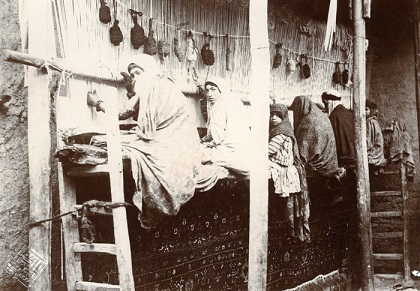 تصاویر فرش دستباف دوران قاجاریه در عکس های آنتوان سوروگین