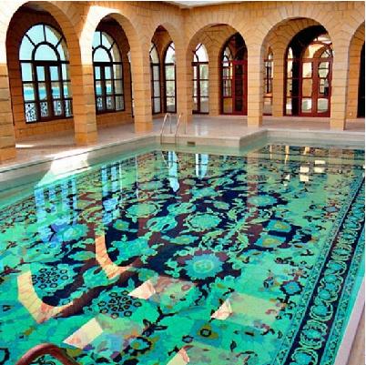 طرح فرش ایرانی در استخر