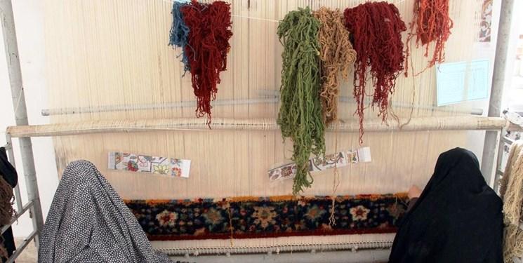 بافندگان فرش دستباف برای بیمه شدن به سازمان صمت مراجعه کنند