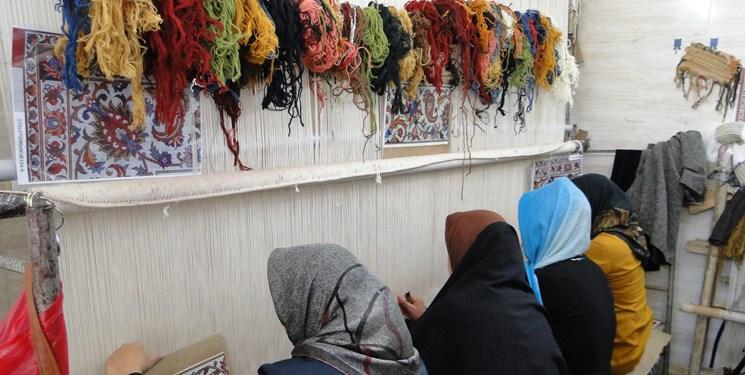 فعالیت 60 هزار بافنده فرش در کردستان/کردستان دو برند جهانی فرش دارد