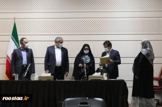 اعطای احکام بازنشستگی زن قالی باف کردستانی
