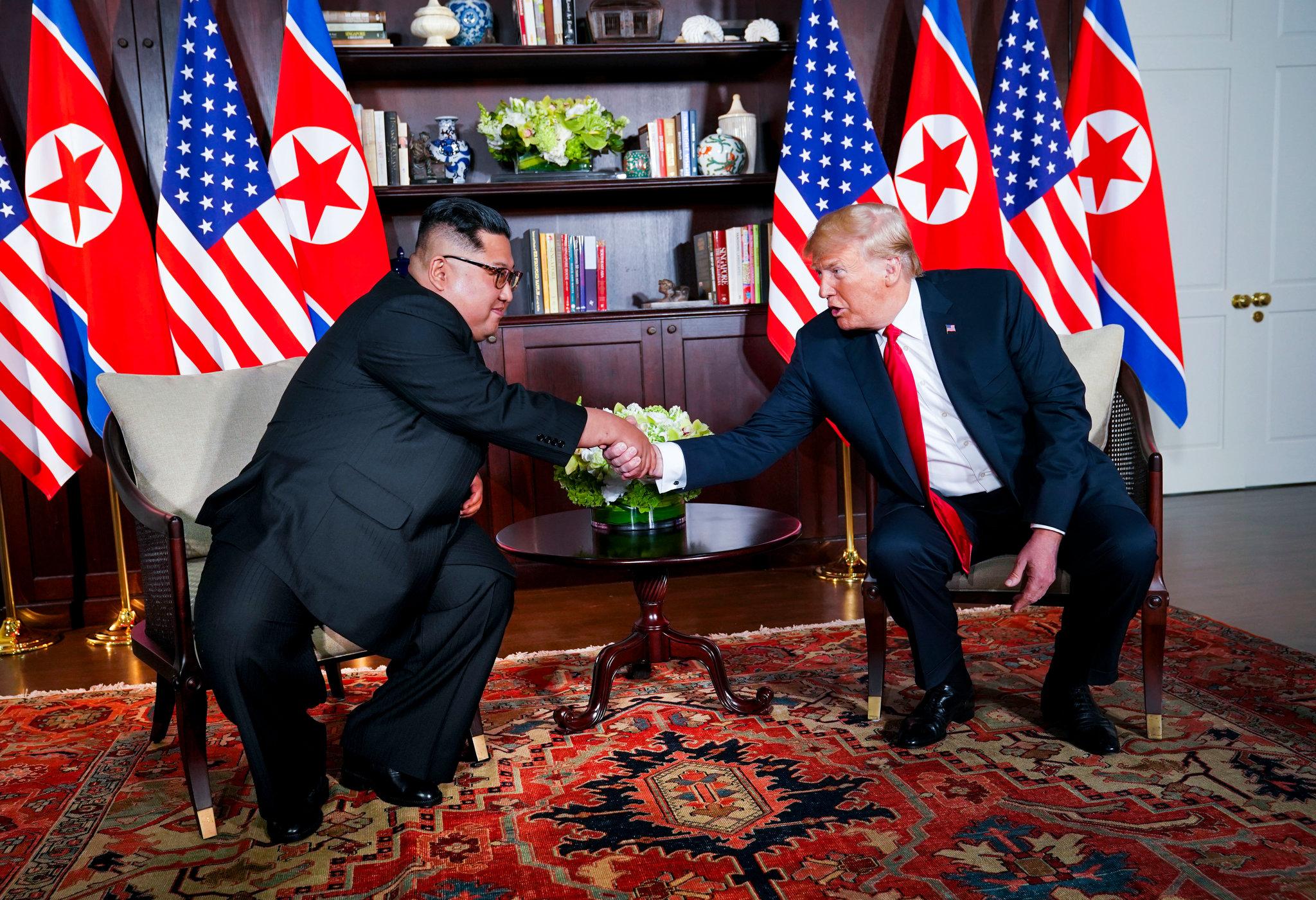 کیم جونگ اون و ترامپ و فرش زیبای ایرانی طرح هریس