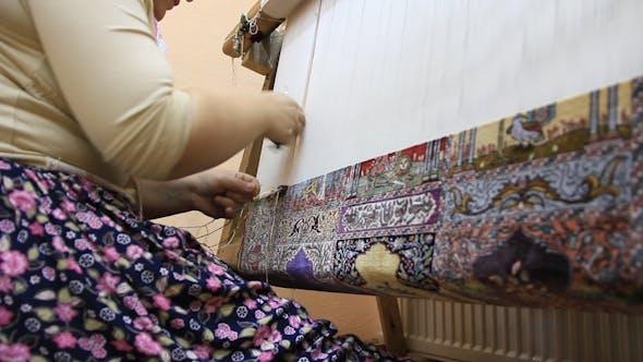 مصرف سالیانه ۶۰۰ هزار تن نخ ابریشم در صنعت فرش