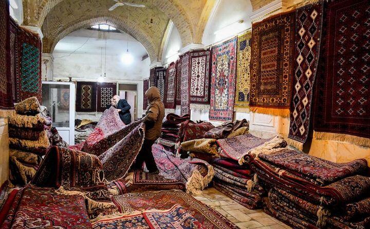 فرش دستباف مازندران نیازمند بازاریابی و بازارچه است